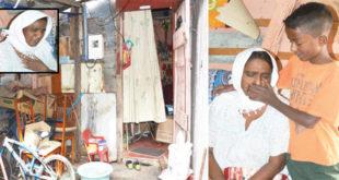 Annas se dévoue corps et âme à sa mère, Begum, amputée du pied droit et malvoyante