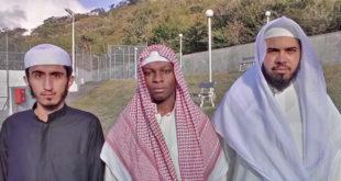 De g. à d: Hassan Ahmad Al Mehdaar,  Souroud Suleiman et Oomar Yousri Zaki