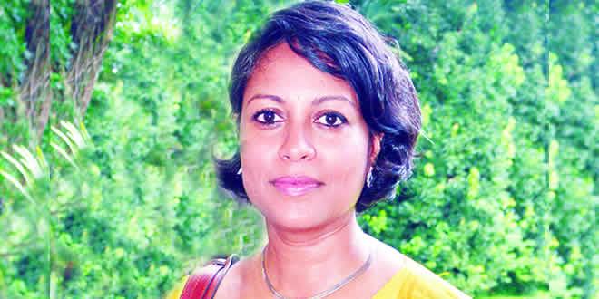 Dr Roshni Mooneeram
